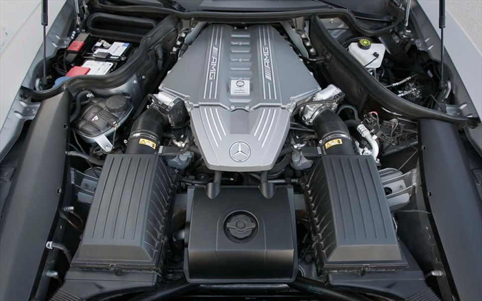 mercedes-benz-SLS-AMG-двигатель